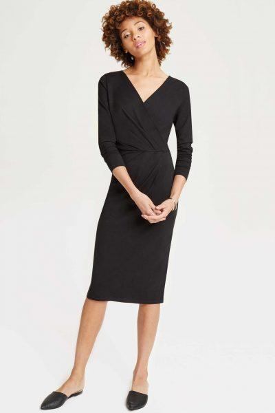 Klänning omlott Irene svart modell helbild