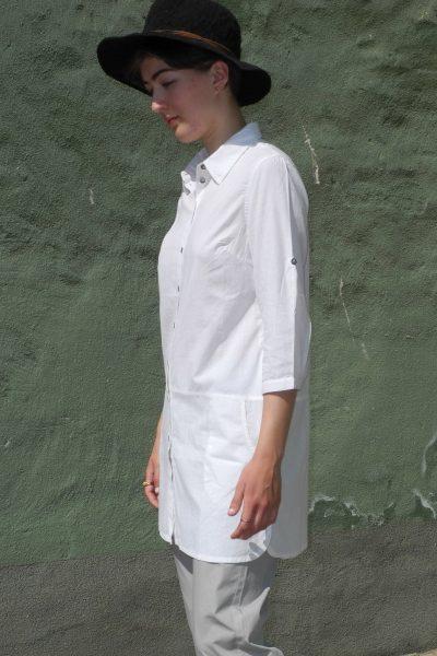 lang-lång skjorta vit modell sidan