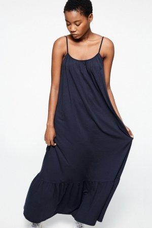 maxiklänning lyyra marinblå modell
