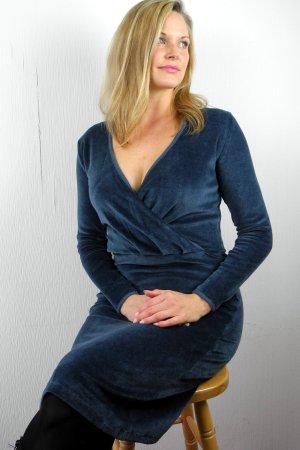 klänning omlott velour blåpetrol modell