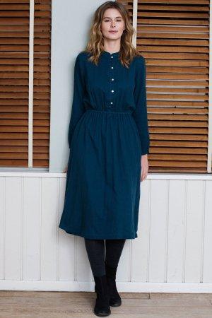 Skjortklänning blåpetrol modell helbild