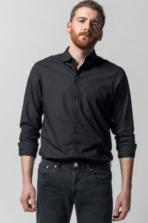 skjorta slimfit svart modell