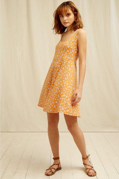 klänning blomtryck cross-over rygg peyton modell helbild