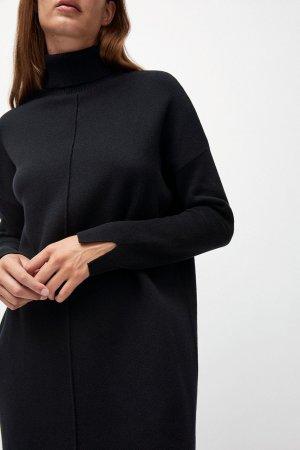 klänning stickad siennaa svart modell närbild