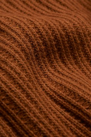 tröja ribbstickad hinaa ullmix rost närbild