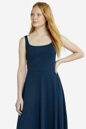 klänningmidib tyra marinblå modell