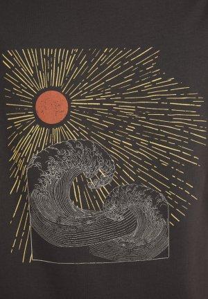 t-shirt sun waves jaames mörkgrå tryck